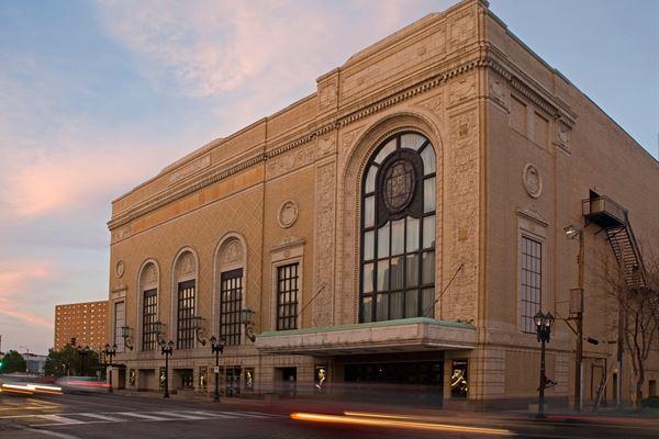 St. Louis Symphony Orchestra: Andrew Grams - Tchaikovsky's The Nutcracker at Powell Symphony Hall